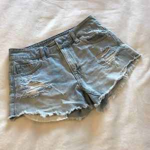 American Eagle Outfitters Cut Off Festival Short